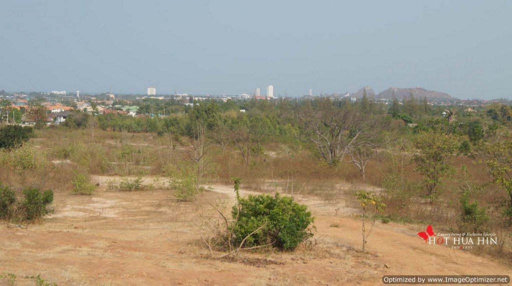 Ideal Development Land with City, Mountain and Sea Views