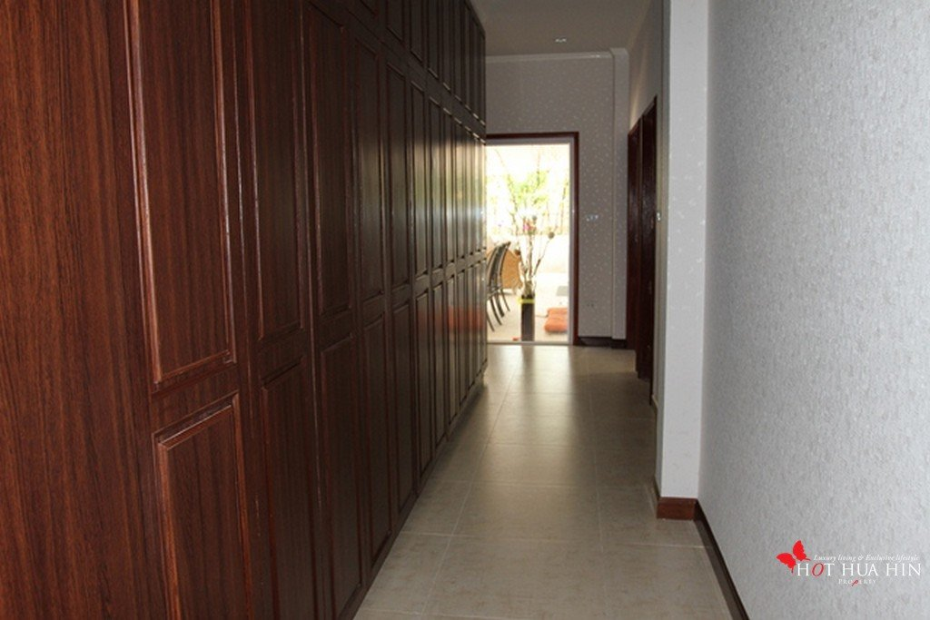 larege storage cupboard in hall