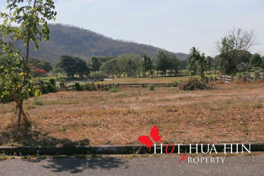 Large land plot at Hua Hin's premier golf address