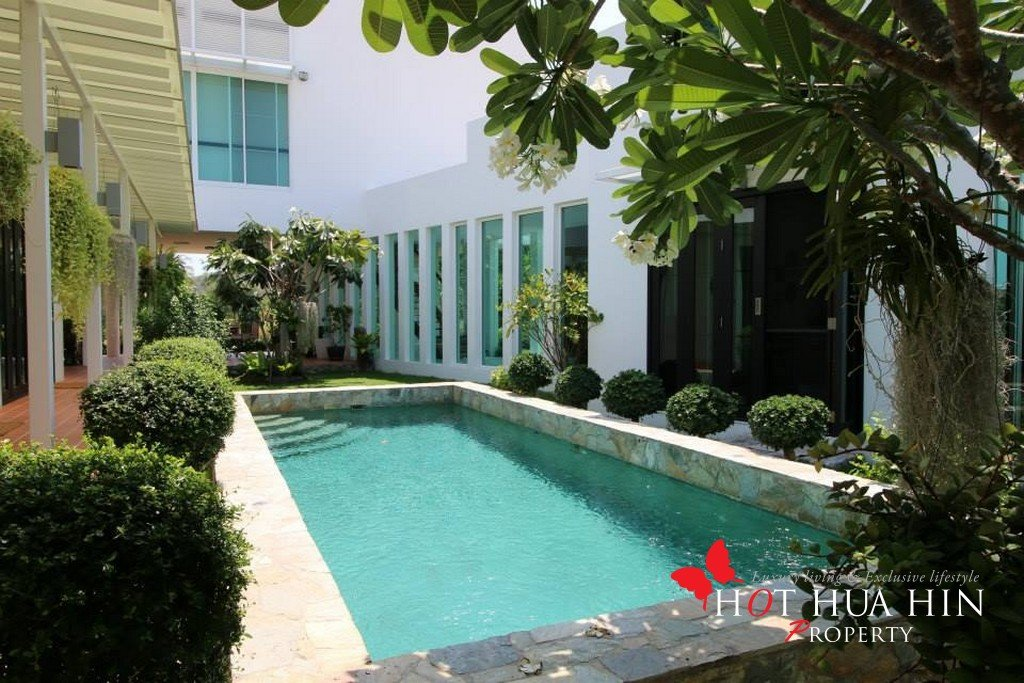 Hua Hin Golf Course Home for Sale, V 171