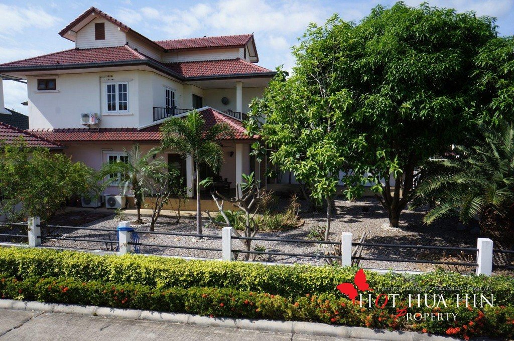 Large Hua Hin Home for low price, AG-V4057