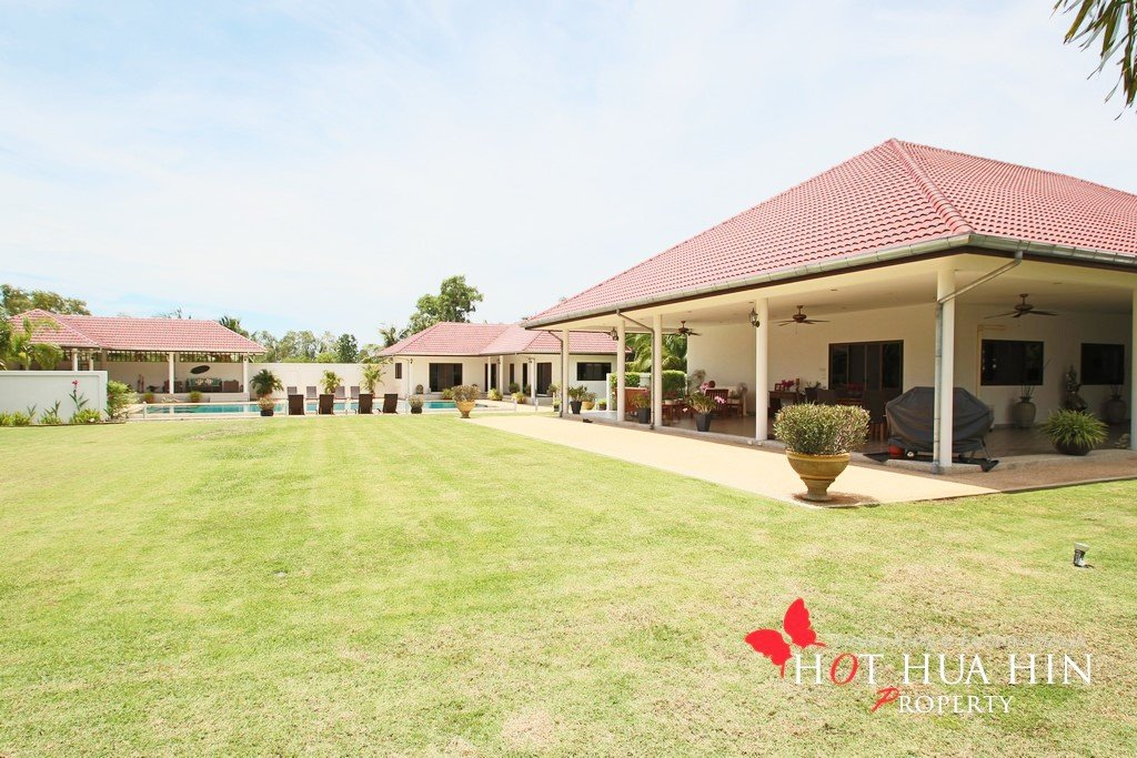 Large Entertaining home for sale in Hua Hin, AG-B135