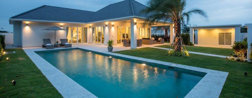 Baan Phu Thara, House in Hua Hin