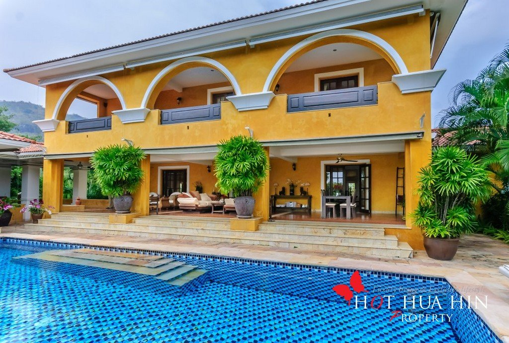 One of the nicest homes in Hua Hin, 10 minutes from 2 golf courses