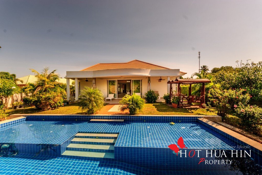 Luxury Pool Villa in the Desirable South End of Hua Hin