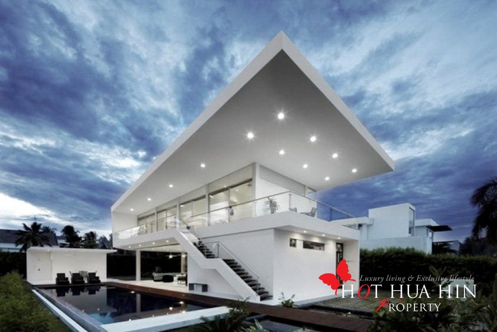 Modern Villas Available With 50% Finance Available at 4.9% Interest