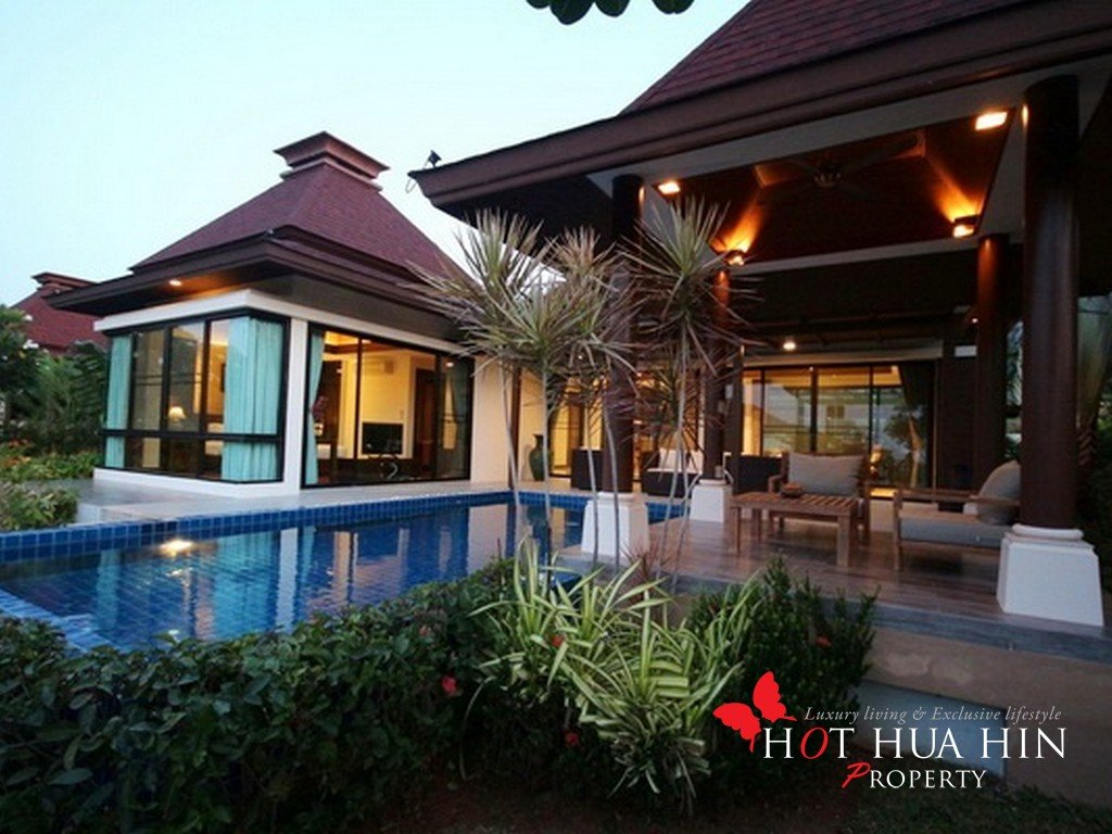 Balinese Styled Pool Villa minutes from beach and golf