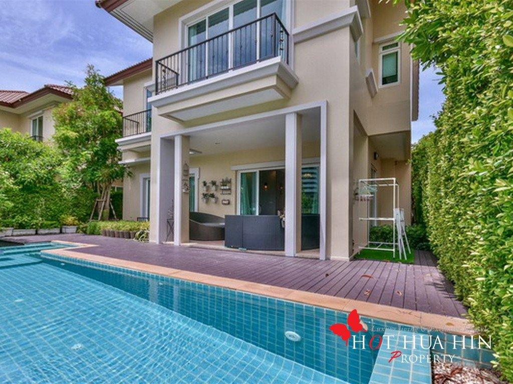 Exquisite Villa Near the Sea in Hua Hin