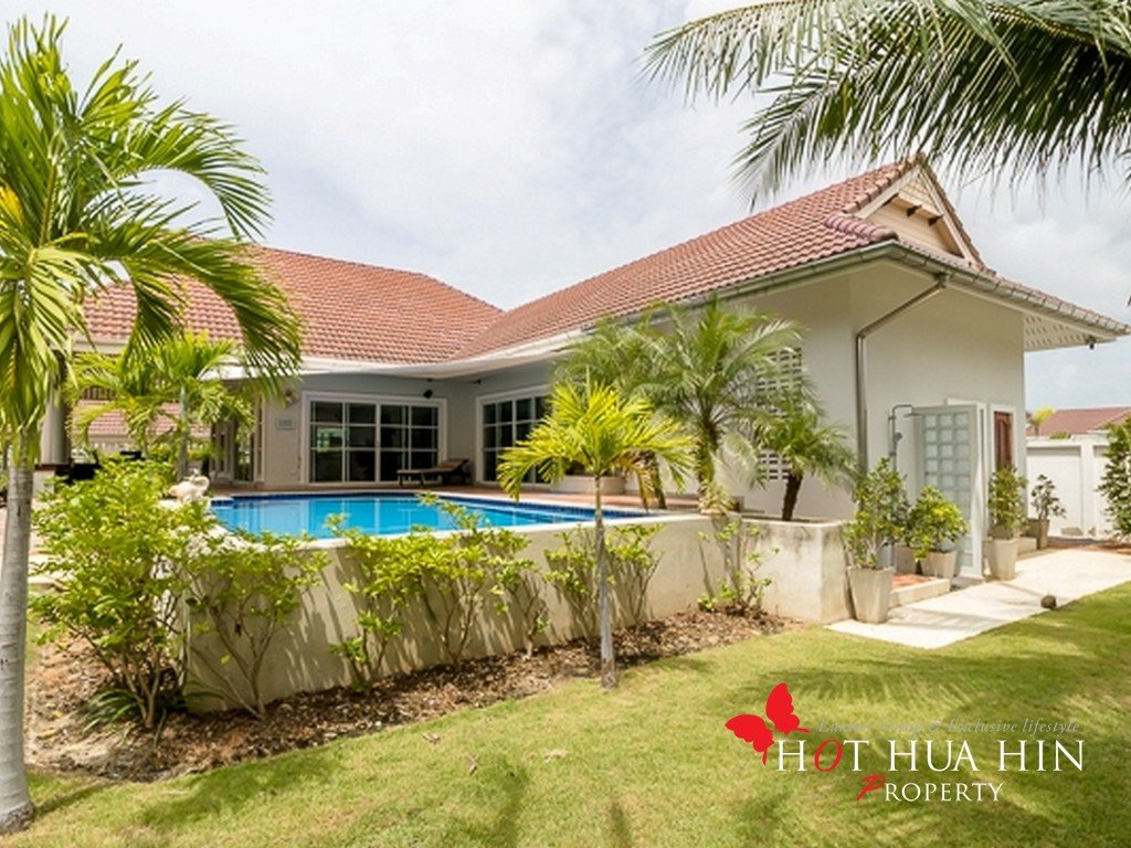 Quality Built 3 Bedroom Pool Villa on Large Land Plot