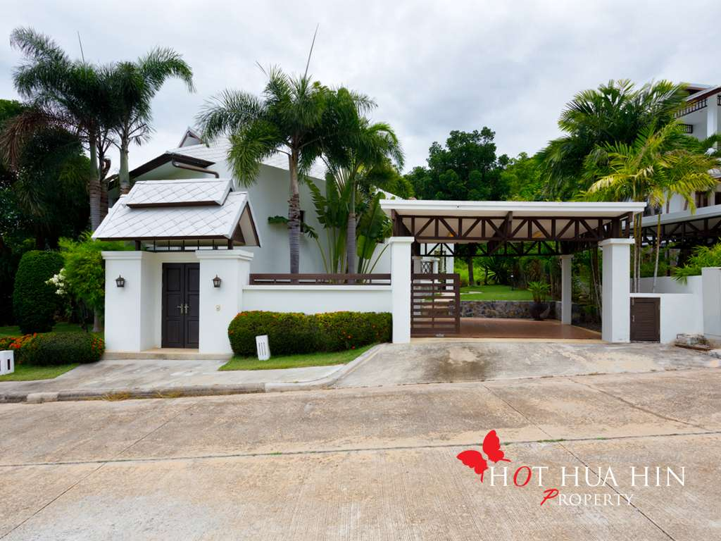 Well built and maintained 2 bedroom pool villa with ocean views