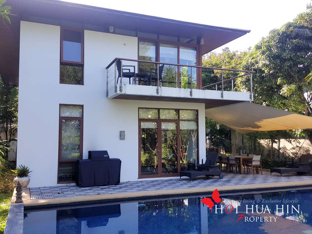 Modern, Stylish Hua Hin Golf Course Home