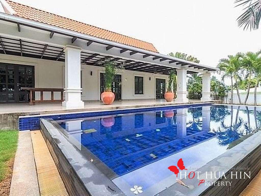 3 Bedroom Pool Villa at The Banyan Estate