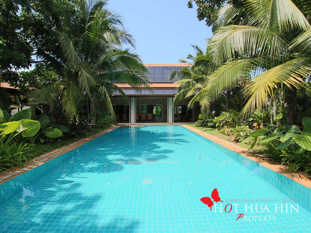 Sensational Large Family & Entertaining Pool Villa For Sale At Hua Hin's Best Address