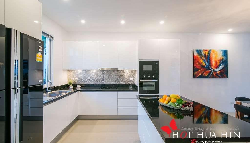 FH P310 Kitchen1