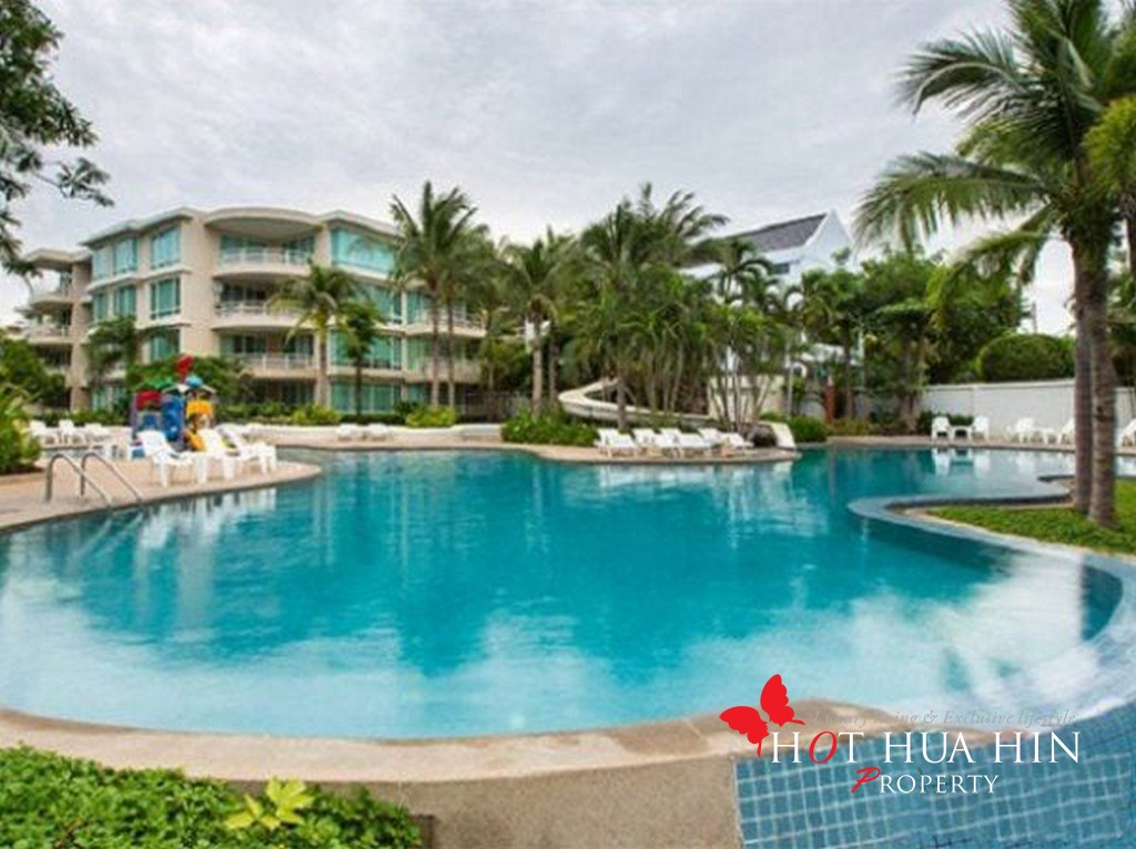 Beachfront Condominium minutes from Hua Hin Center