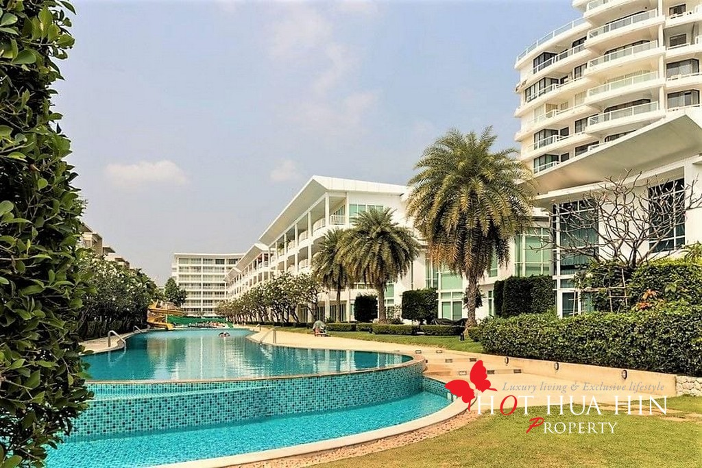 Two Bedroom Beachfront Unit Close To The Center Of Hua Hin