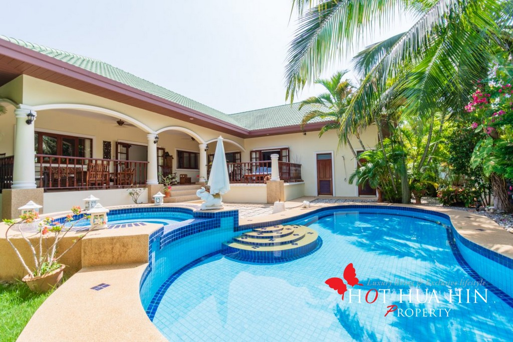 3 Bed Pool Villa In Desirable South End
