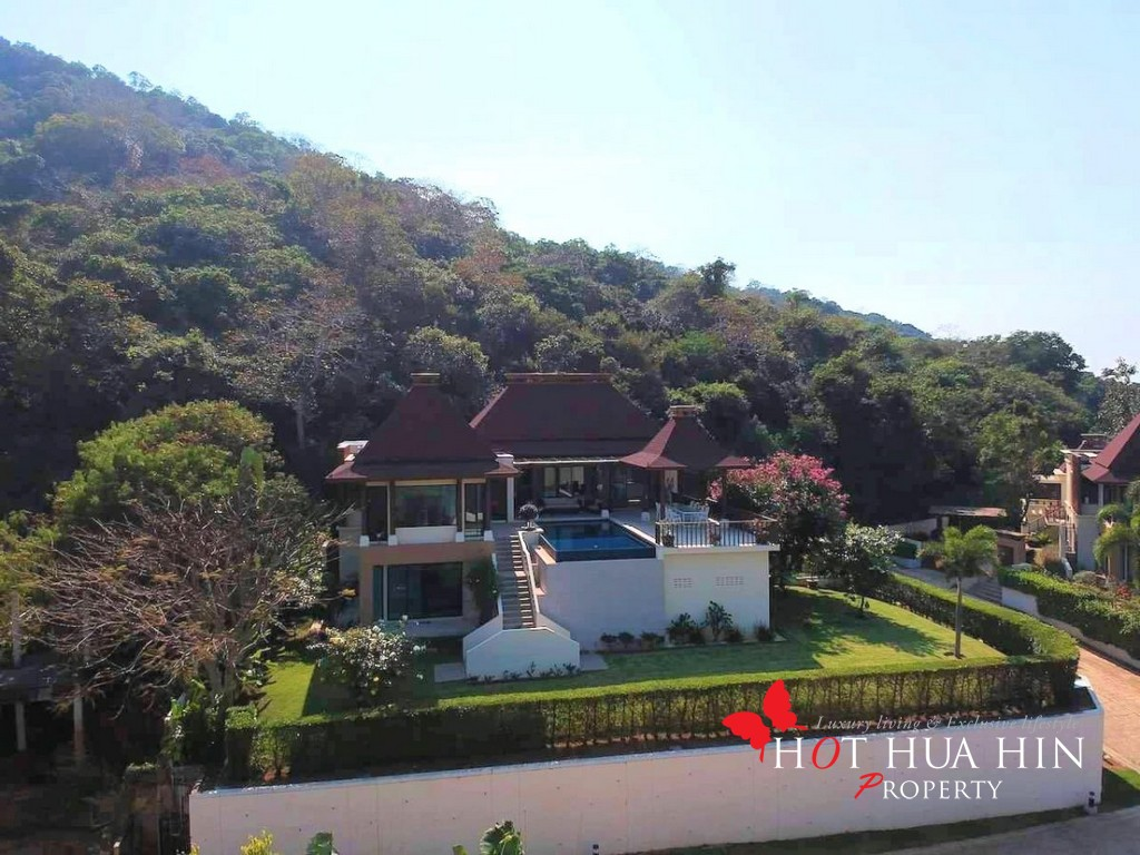 Bali Style Pool Villa With Ocean Views, Substantially Reduced In Price