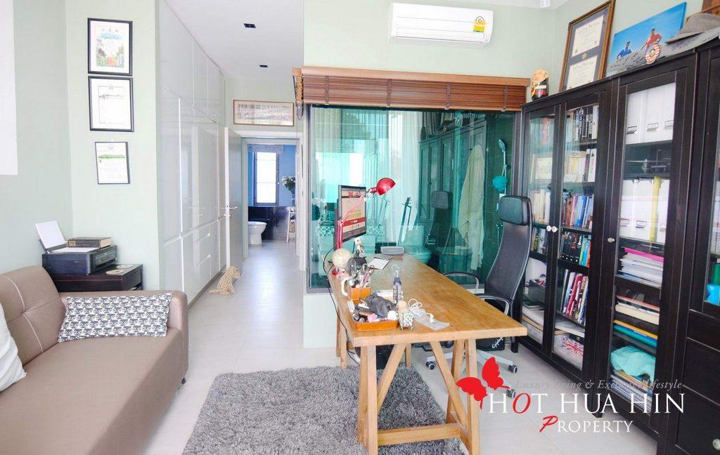 bedroom 3 - office