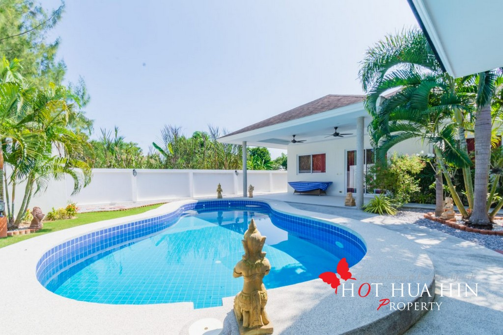 3 Bed Pool Villa With Guest House, Near Black Mountain G.C.