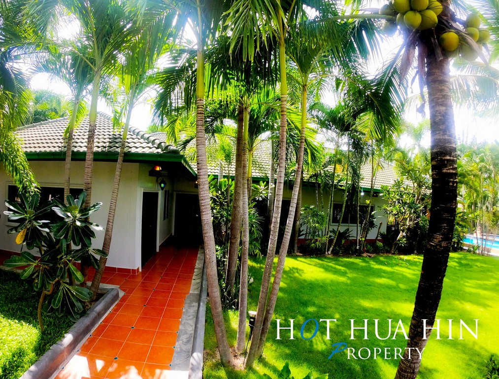 Quality Built 3 Bedroom Pool Villa, Approximately 15 Minutes From Hua Hin Center