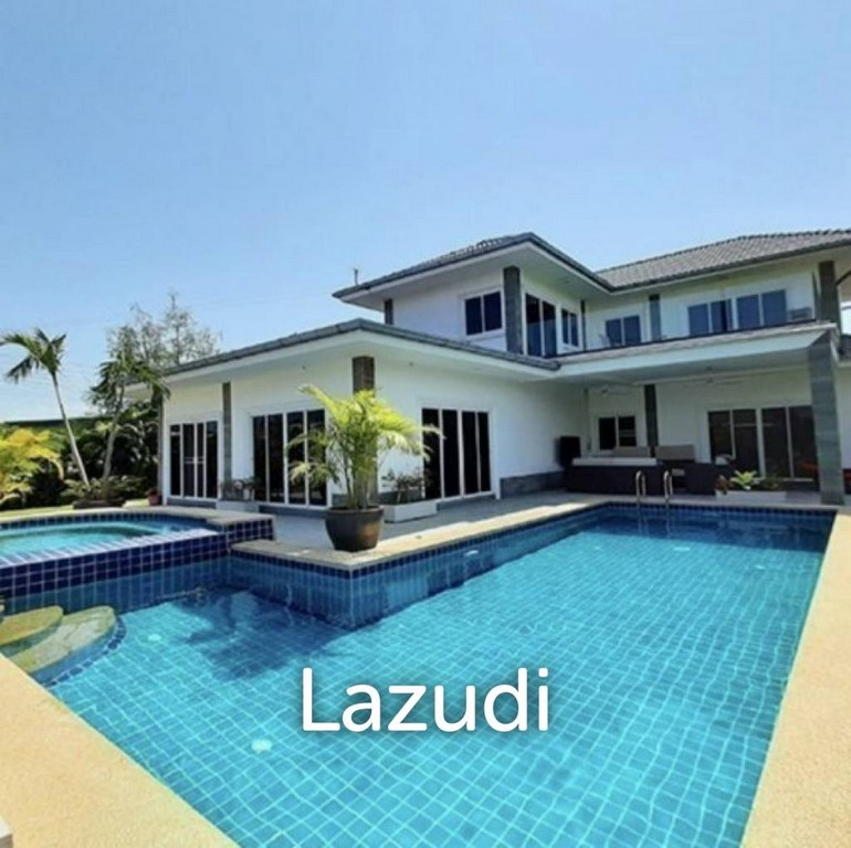 Five Bed, Three Bath Home With Pool, Near Town And Beaches